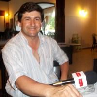 Denuncian agresión a un periodista mientras estaba al aire en Radio Pelegrina