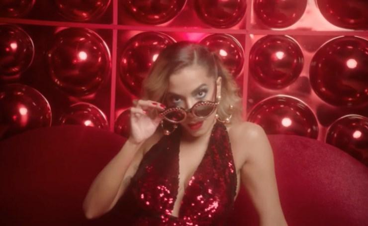Clipe de Anitta