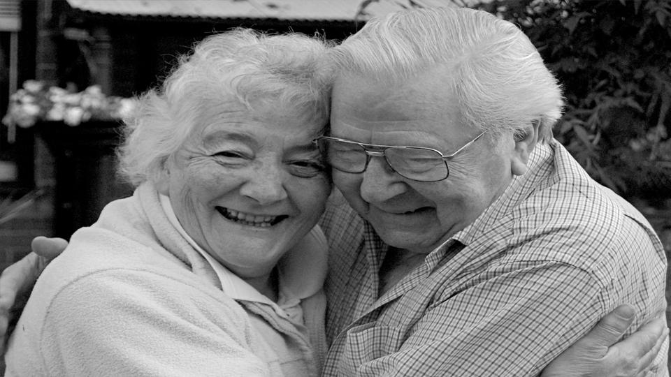 """Campaña solidaria """"Un Abrazo Para Nuestros Abuelos"""""""