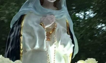 » No tengo dudas que la madre obró milagros en nuestra vida».  10° Aniversario de la Virgen Inmaculada Madre del Divino Corazón Eucarístico de Jesús que se encuentra en Paraíso Escondido.