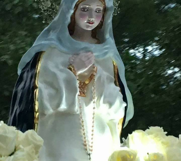 """"""" No tengo dudas que la madre obró milagros en nuestra vida"""".  10° Aniversario de la Virgen Inmaculada Madre del Divino Corazón Eucarístico de Jesús que se encuentra en Paraíso Escondido."""