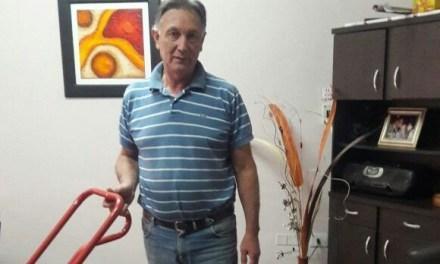 Vecino de Charras colabora con Cabrera Solidaria