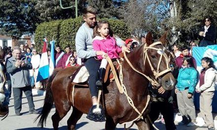 JULIO BUFARINI PRESENTE EN LA CELEBRACIÓN DEL 25 DE MAYO