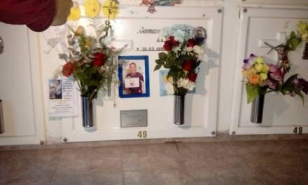 Colocaron placa en memoria de Samantha Yoerg