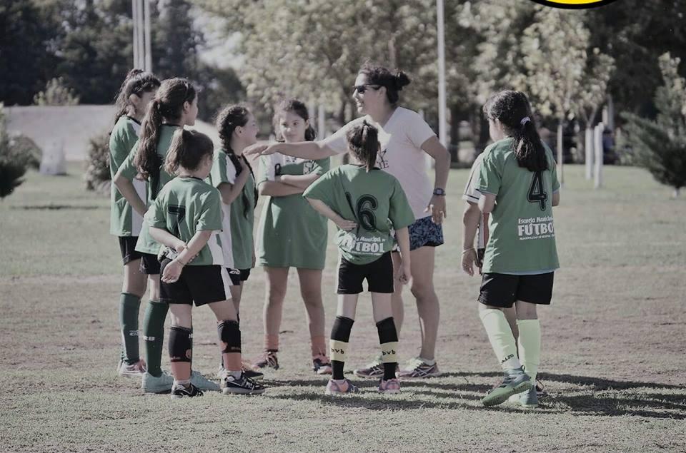 Torneo de fútbol femenino en Cabrera