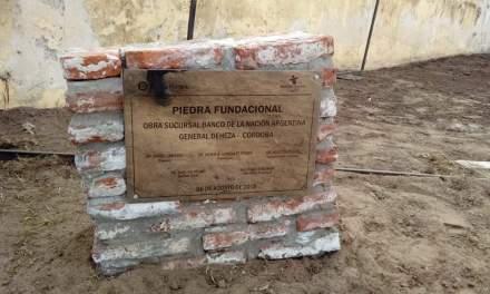 General Deheza se descubrió la piedra y placa fundacional del Banco Nación