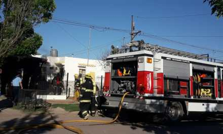 Incendio en vivienda B° Argentino calle Las Heras