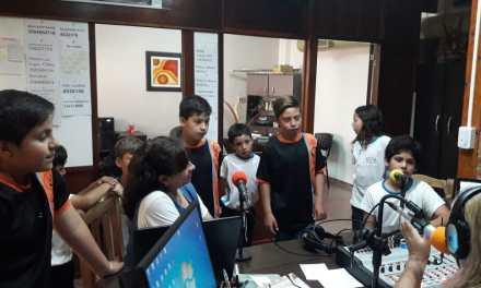 La escuelita de Colonia Dolores visitó la radio