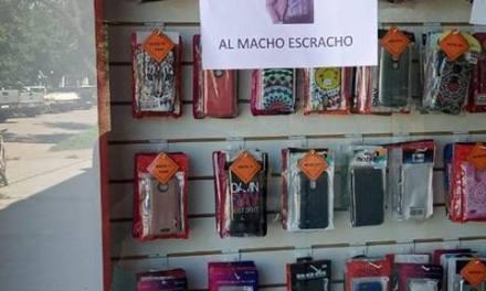 «Al macho escracho», así rezan los carteles que circulan por comercios de la ciudad