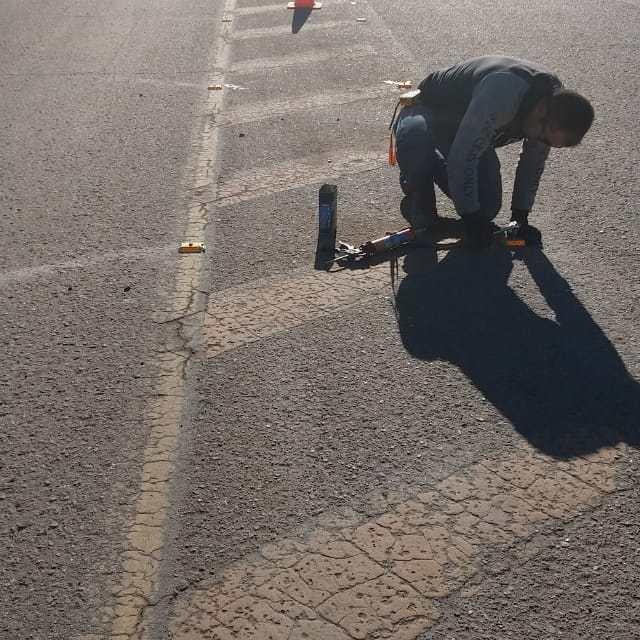 Colocan tachas lumínicas en Ruta 158 en el acceso sur de la ciudad