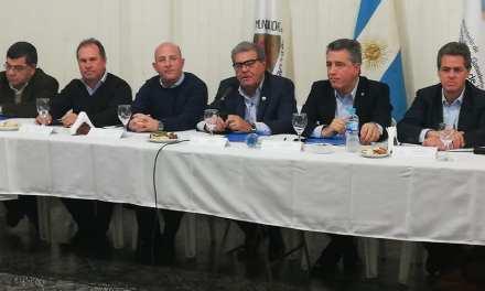 El Ministro Etchevehere encabezó la Mesa Nacional del Maní en Cabrera