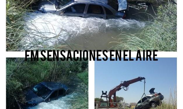 Coronel Baigorria: Cayó al arroyo con su vehículo