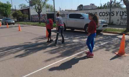 El Arte sale a la calle – Alumnos del taller de Arte del Cepea intervienen la calle con una pintura en 3D