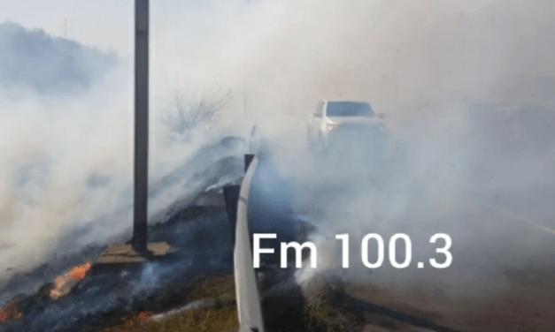 Bomberos de Cabrera y zona combaten incendio en Alpa Corral