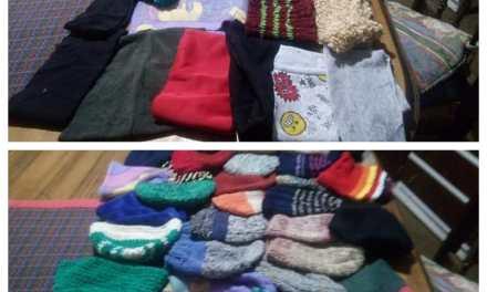 Gorros,bufandas, guantes y frazadas para Cabrera Solidaria