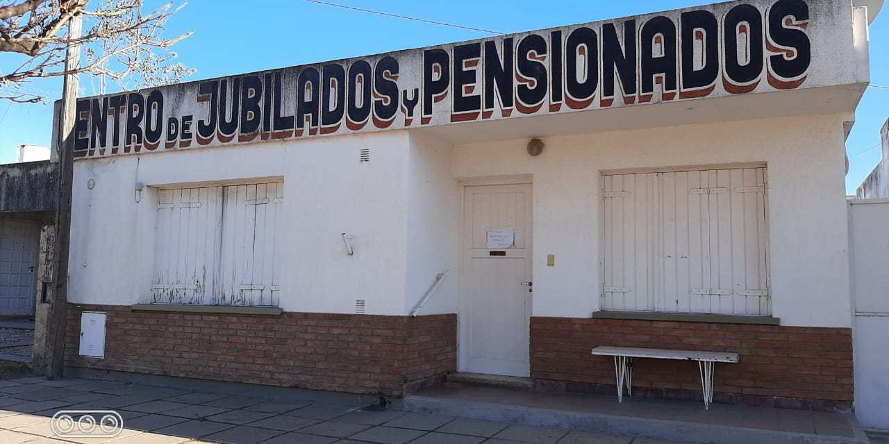 VENTA DE PASTELITOS EN EL CENTRO DE JUBILADOS Y PENSIONADOS