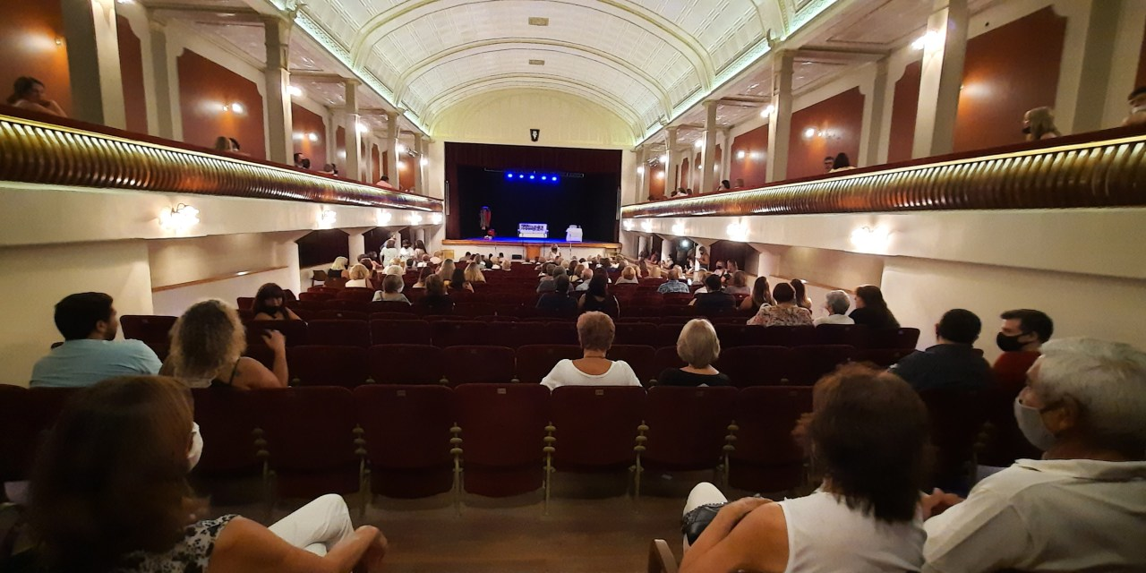 Reabrió el Teatro con entradas agotadas