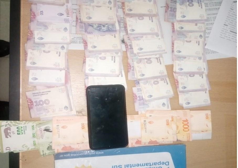 Detenido por sustraerle $80.700 y un celular a su expareja