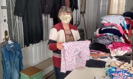 Cáritas – La feria de ropa hoy miércoles se extiende hasta las 16 horas