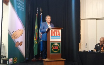El Ministro de Agricultura Sergio Busso visitó la Jornada Nacional de Maní