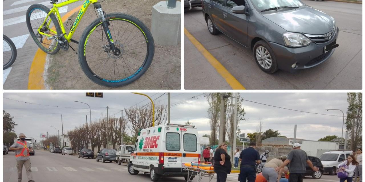 Colisionaron una bici y un auto
