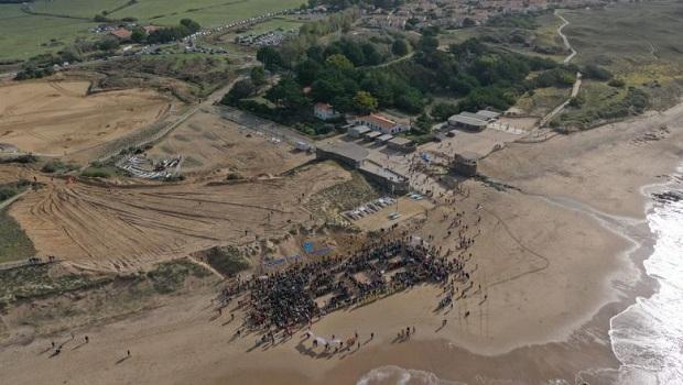 Ce dimanche 6 octobre 2019 a eu lieu un grand rassemblement sur le site de la Normandelière à Brétignolles-sur-mer pour dire STOP au port de plaisance dont les travaux préparatoires […]