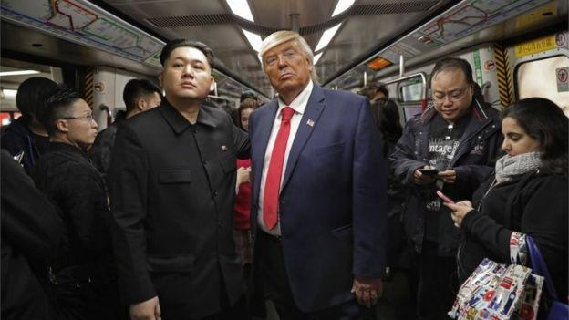 ترامب و كيم جونغ لقاء مزيف يجمع بين الرئيسين في هونج كونج