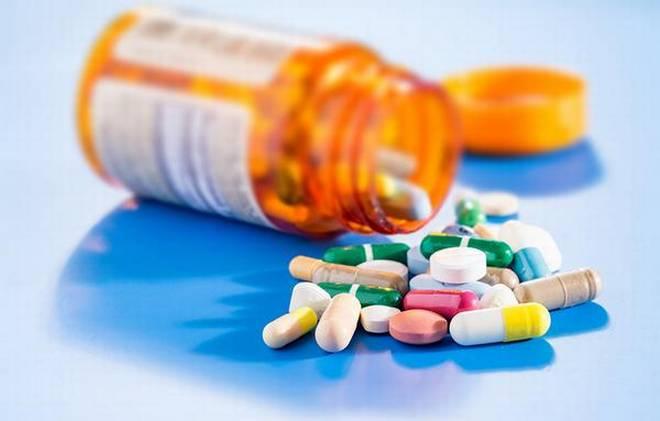 اضرار المسكنات اليومية و المضادات الحيوية والفيتامينات والاعشاب