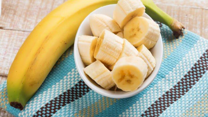 الموز في المنام للعزباء والمتزوجة والحامل
