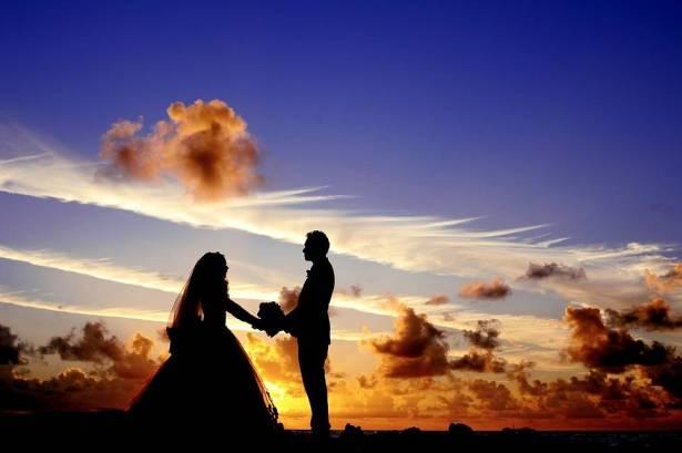 ابيات شعر تهنئة بالزواج  .. الف مبروك الزواج