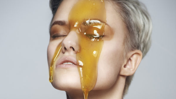 تجربتي مع عسل المانوكا للوجه وفوائد مذهلة اخرى
