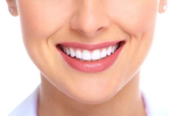 تجربتي مع عدسات الاسنان ومنها اللومينير