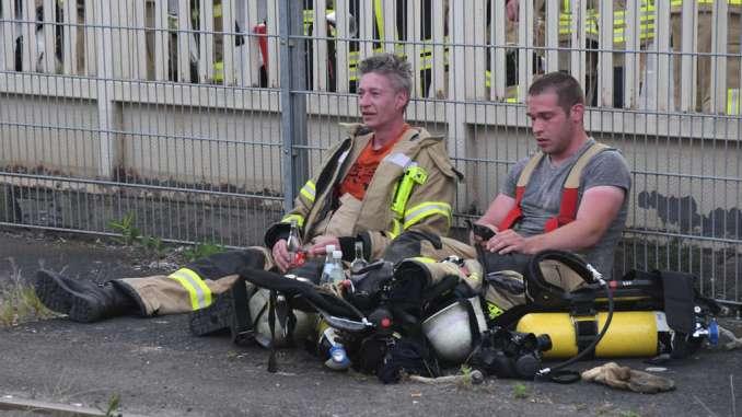 """Diez/Limburg: """"Feuer wird uns zehn bis 14 Tage beschäftigen"""""""