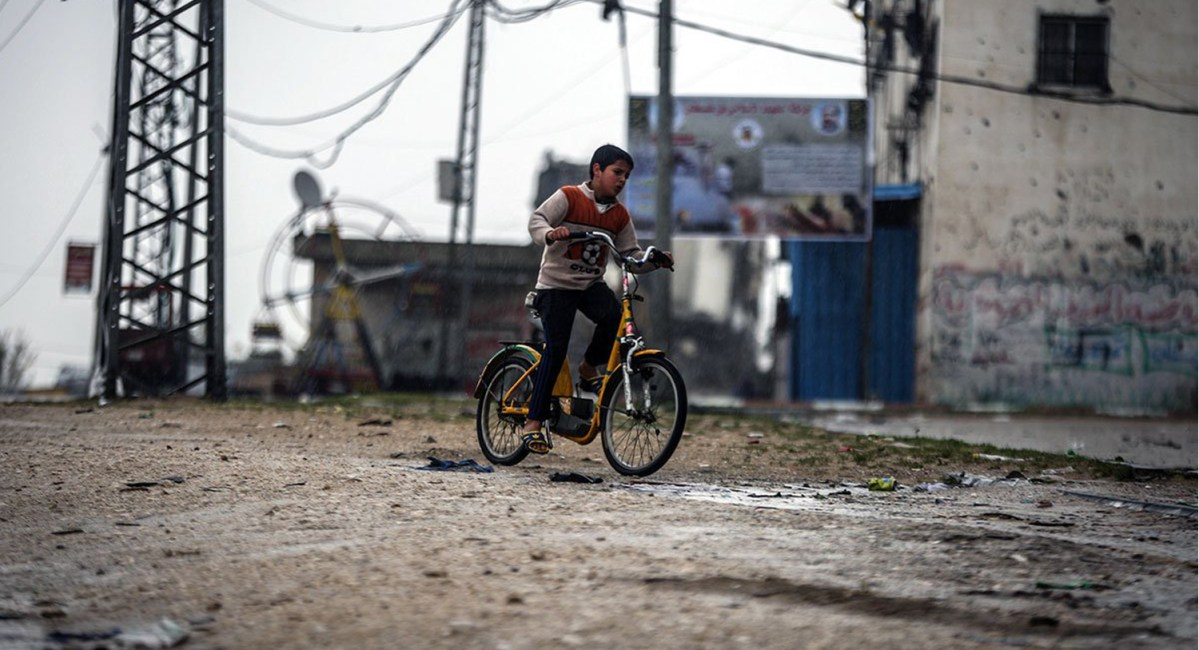 NEWSgaza-child-gaza-boy-on-bike