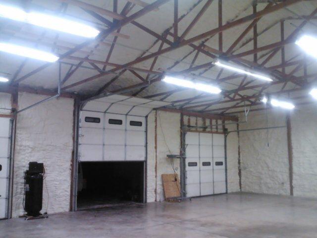 Industrial spray foam insulation