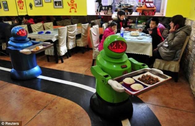Il ristorante cinese con i camerieri robot  Focusit