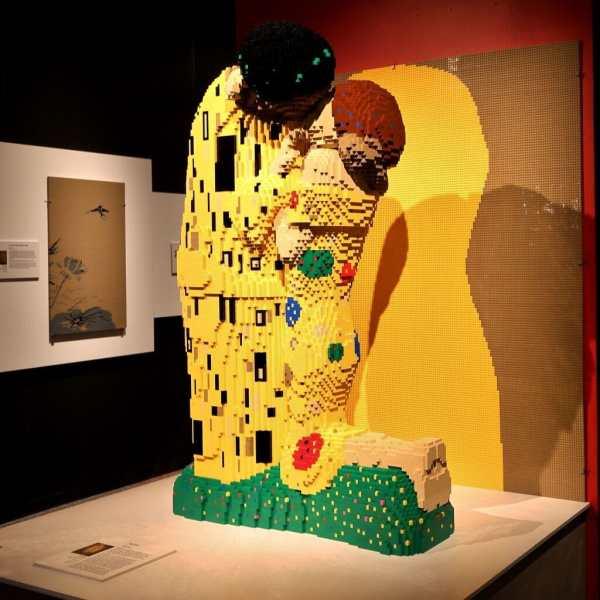 Calling Lego Fans Art Of Brick Perot Museum