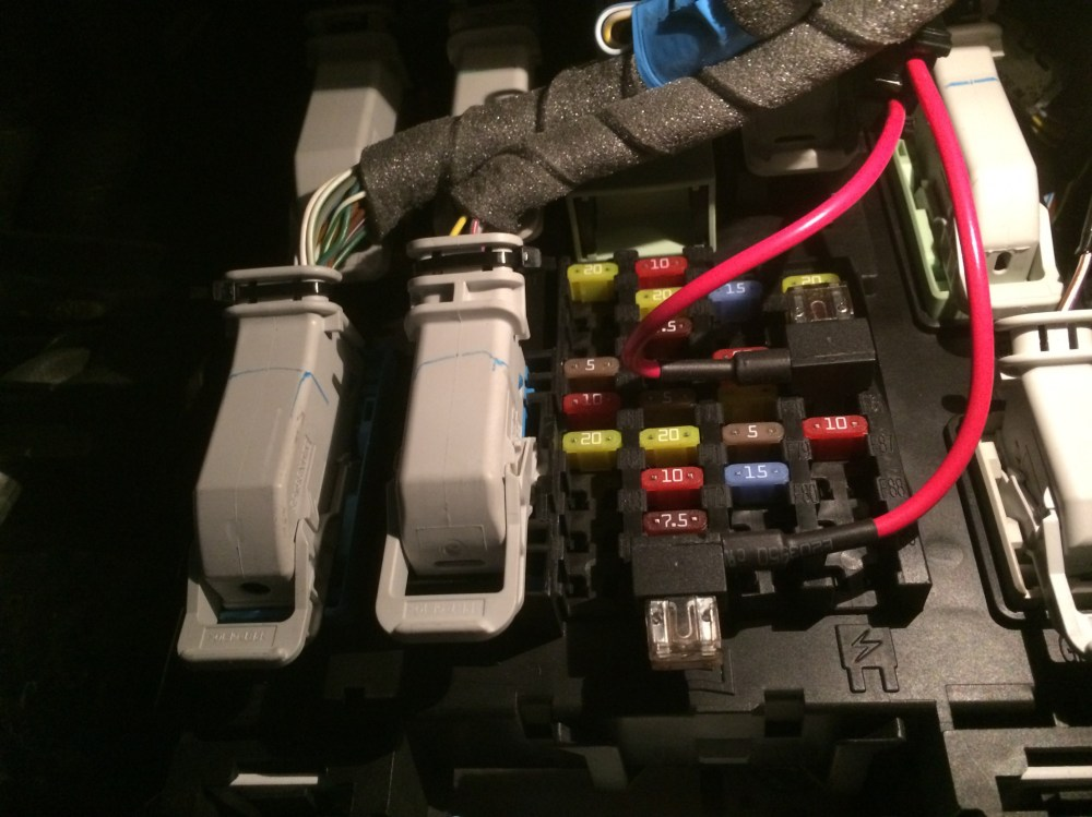 medium resolution of switched and constant power fuses fuse panel jpg