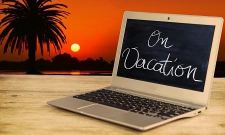 gebruik van laptop door vakantiegangers
