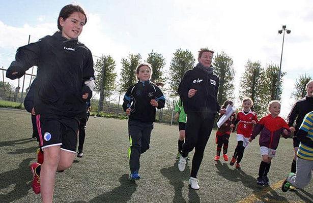 https://i0.wp.com/www.fodboldforpiger.dk/wp-content/uploads/2015/05/One-Touch-camp-4.jpg?w=740