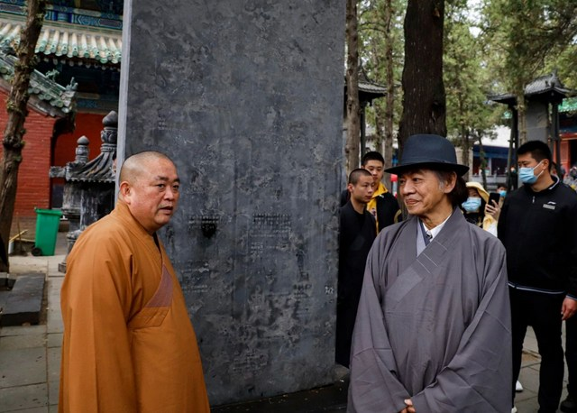 72歲的蔡志忠在少林寺剃度出家 - 佛弟子文庫