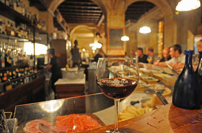 Romes 10 Best Bars for a Classic Italian Aperitivo