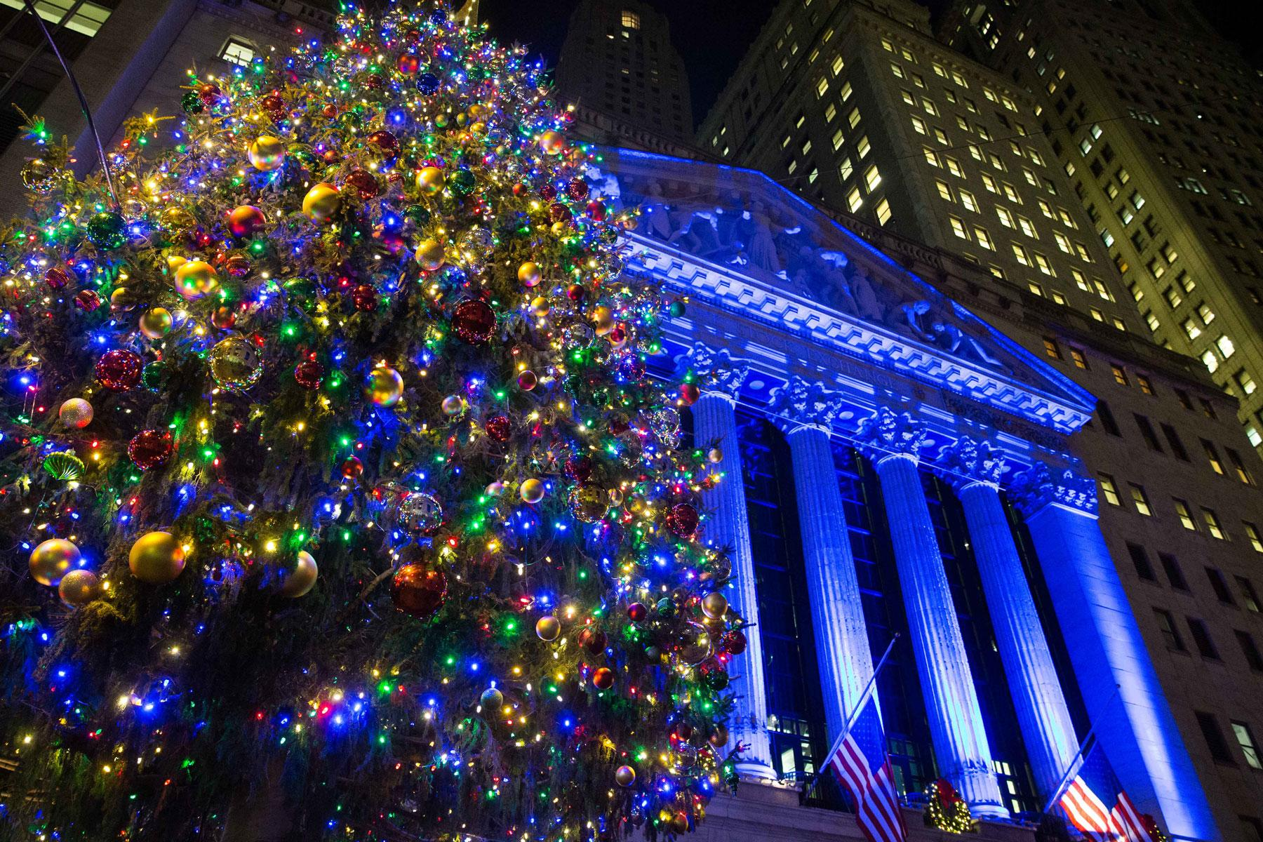 New York Christmas Decorations Taken Down