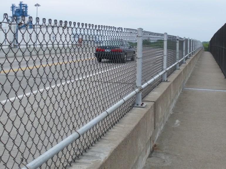 44th-road-width-vs-walkway