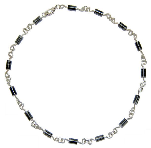 getdigital Dioden-Halskette: Das schenkt der Geek seiner