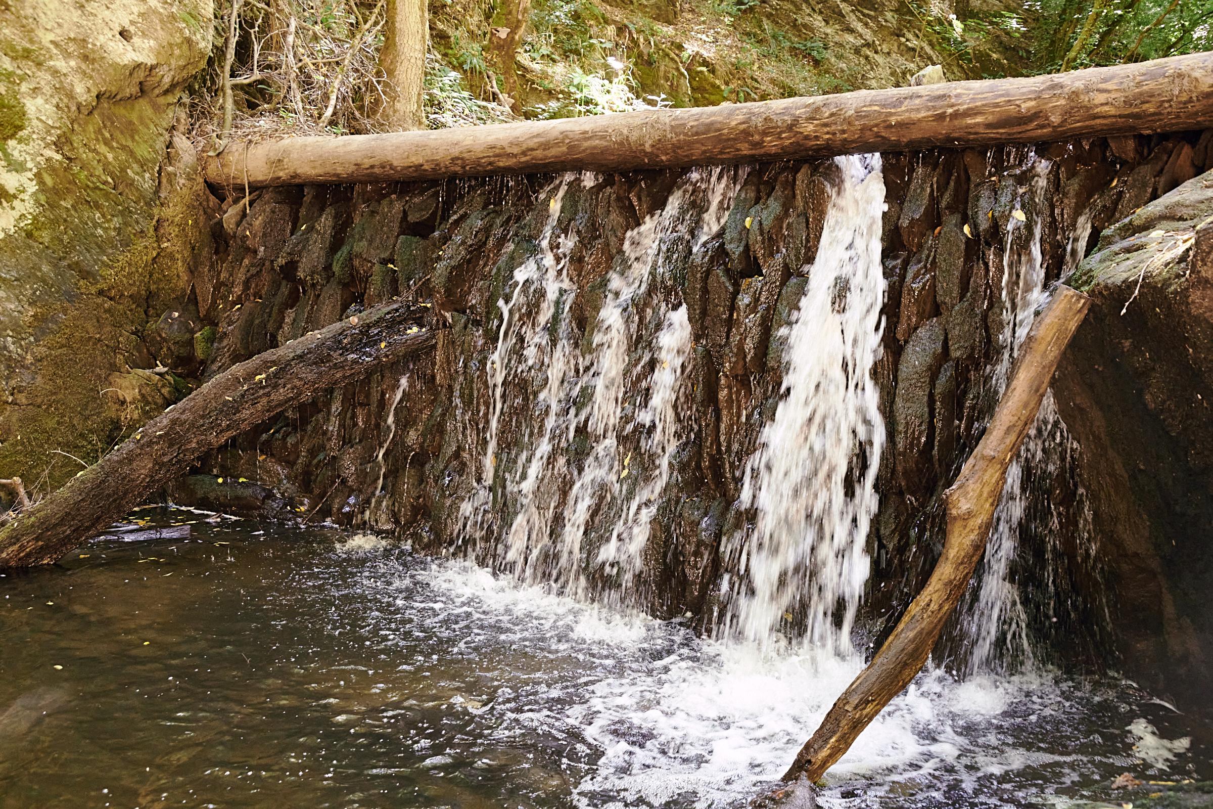 Bild des Monats August 2020: Der kleine Wasserfall