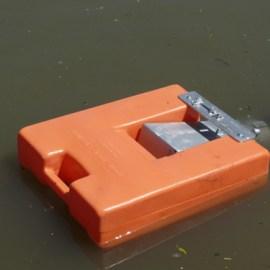 Self-Leveling Float Dock Strainer