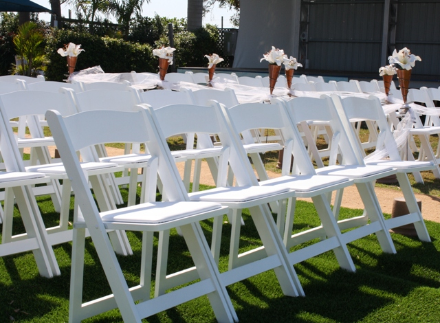 WHOLESALE White Wood Folding ChairsCheap prices wood chairs