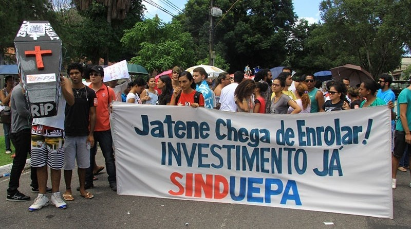 destaque-333981-destaque-328748-290415-a4-protestocaixaouepa-ra