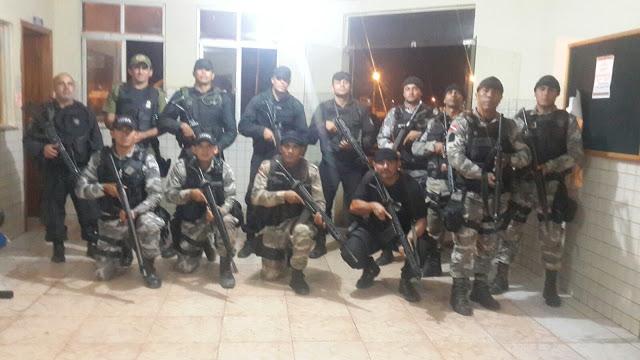 Policiais que participaram da missão de colocar a quadrilha na cadeia